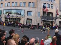 一张随意拍摄的波士顿马拉松比赛照片,如何帮助FBI破案