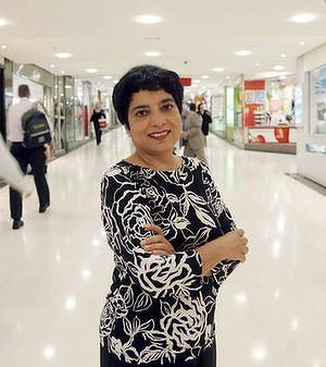 马琳·坎加获得了新加坡永久居住权