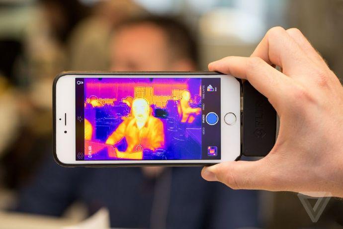 把你的iPhone变身红外夜视仪