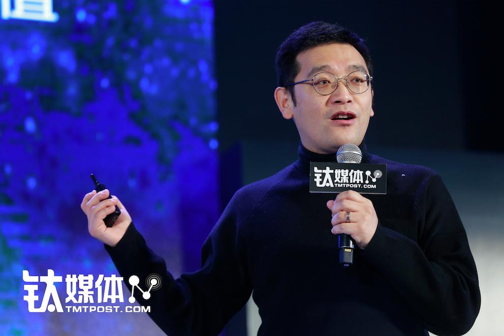 洛可可设计集团创始人、董事长贾伟