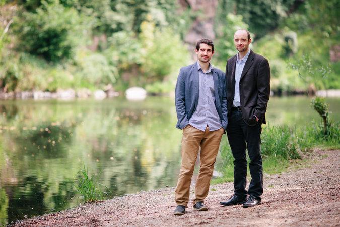 左为Christoph Jentzsch,DAO基本代码的幕后功臣。右为他的兄弟Simon。图片来自Credit Yvonne Jaursch。
