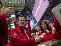 过去一年,P2P鼻祖Lending Club的股价跌去了80%,离死亡只有一步之遥?