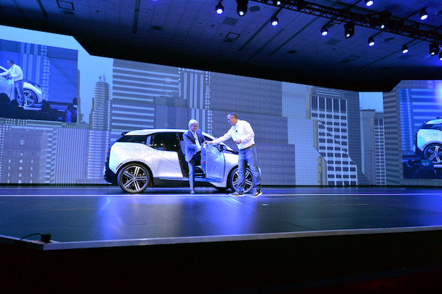 BMW无人驾驶项目负责人Elmar_Frickenstein介绍与英特尔展开无人驾驶的合作