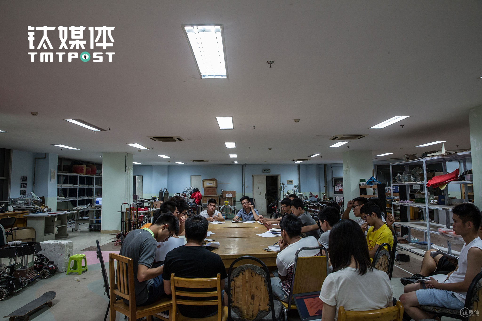 On September, 17th, the theme and rules of the 16th National Robocon Robot Competition were released. After receiving all the related materials, SPR team members got together and discuss their coping strategies and development focus. The competition was to be held in eight to ten months later.