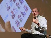 凯文·凯利:有电话是必然,但是推特和微信不是必然