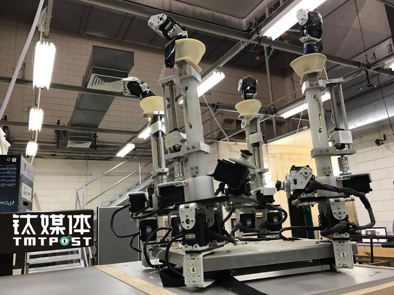 仿生蜘蛛机器人原型机,由于在军用、警用、消防等特种环境下的应用前景,已经与以色列国防部签订合作协议。