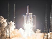 【钛晨报】耗时十年长征五号首飞,未来将助力探月探火任务