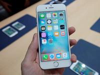 【钛晨报】苹果6s电量剩一半就自动关机,客服否认与新系统有关