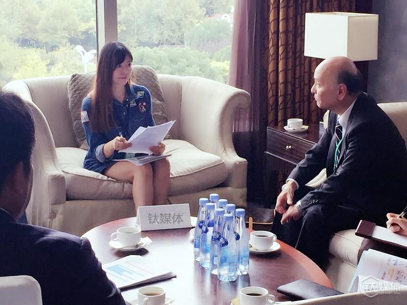 钛媒体记者对花王董事长进行独家专访