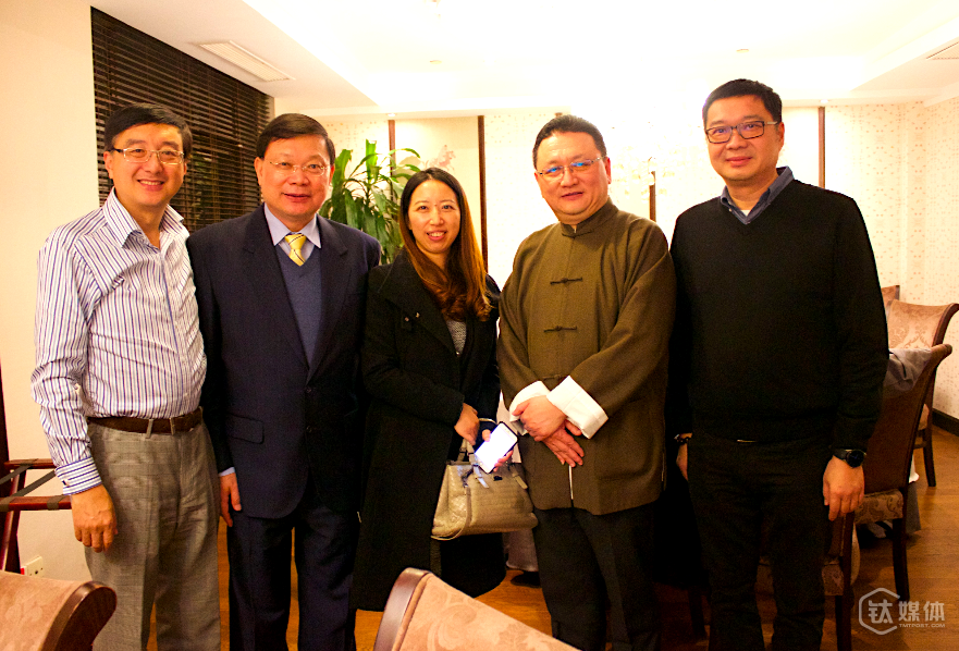 从左到右,致真总经理徐振辉先生,美食家戴爱群先生,平安银行林女士,平安银行私人银行海外投资顾问张焕华先生,钛媒体联合创始人万宁先生。