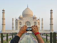 国产手机畅销印度,拿下近半市场