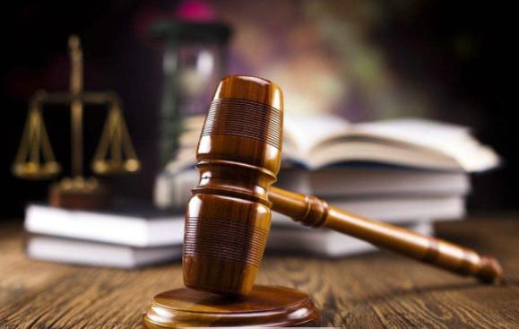 2015年,曾被称为互联网+法律服务元年,也是众多创业者的出发点所在。但当许多人真正动手进行互联网+法律创业,却发现这个领域问题多多,甚至举步维艰。