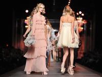 时尚秀直播将常态化,传统时装行业变革在即