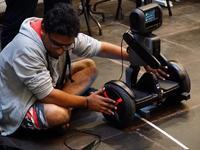 用机器人解决养老问题,「时髦的」新加坡政府是怎么做的?